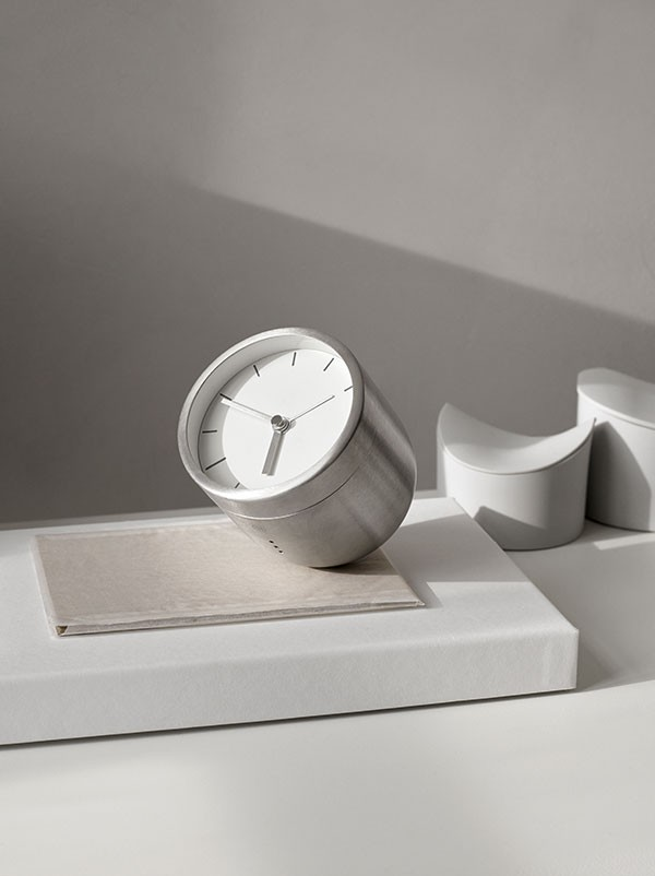 Steel_Tumbler_Alarm_Clock_Norm_Architects_Menu_01