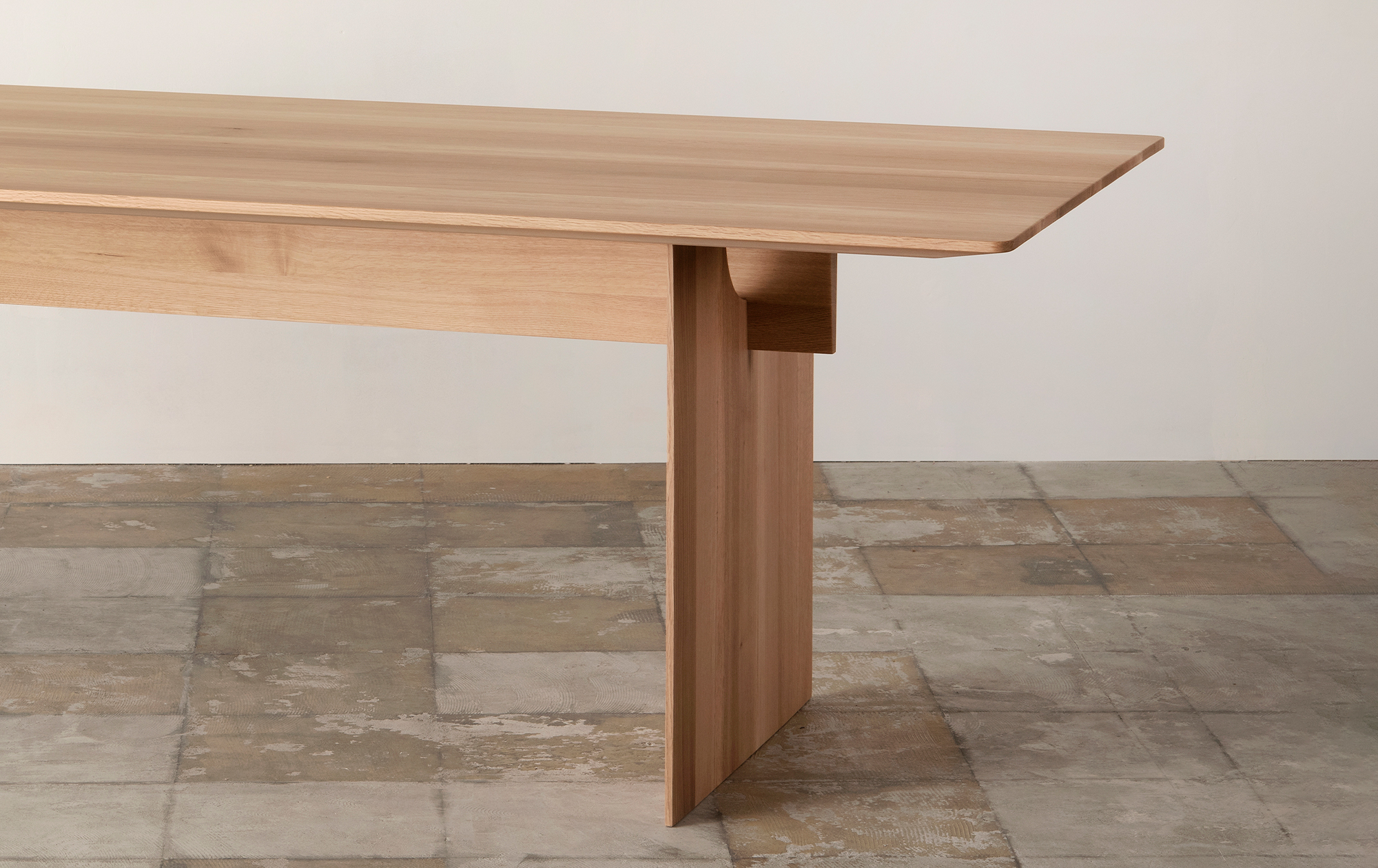 Karimoku Case Study: Dining Table